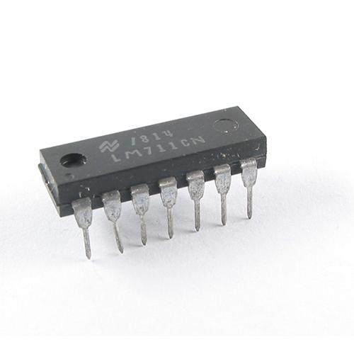 LM711CN NS